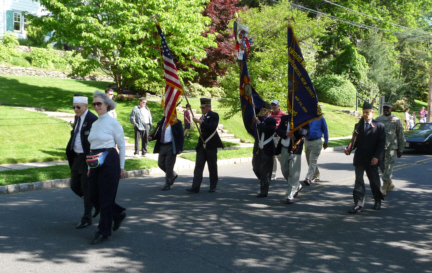 Memorial Day Honor Guard2.jpg